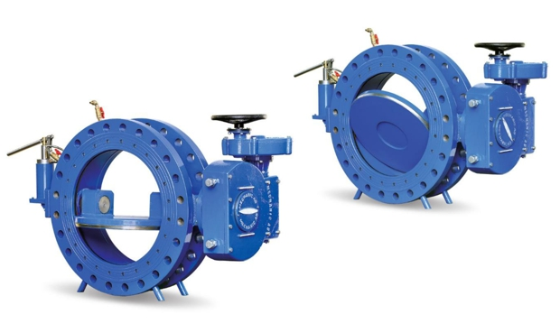 Butterfly valves with complete sealing in both directions even with damaged sealing element