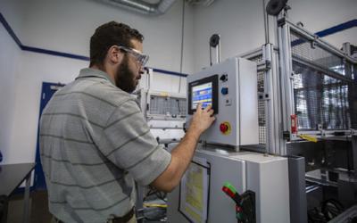 Freudenberg: Neues Testzentrum für Radialwellendichtringe eröffnet